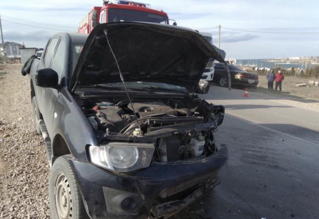 В Севастополе на повороте столкнулись два Mitsubishi, оба водителя пострадали